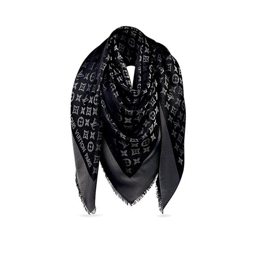 0d852154ebbc Expat fashion avant-garde talks about style   Shanghai Daily