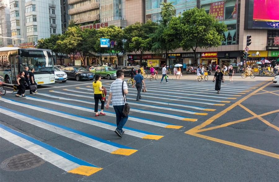 Chinese Police Draw 3d Crossings To Warn Speeding Motorists
