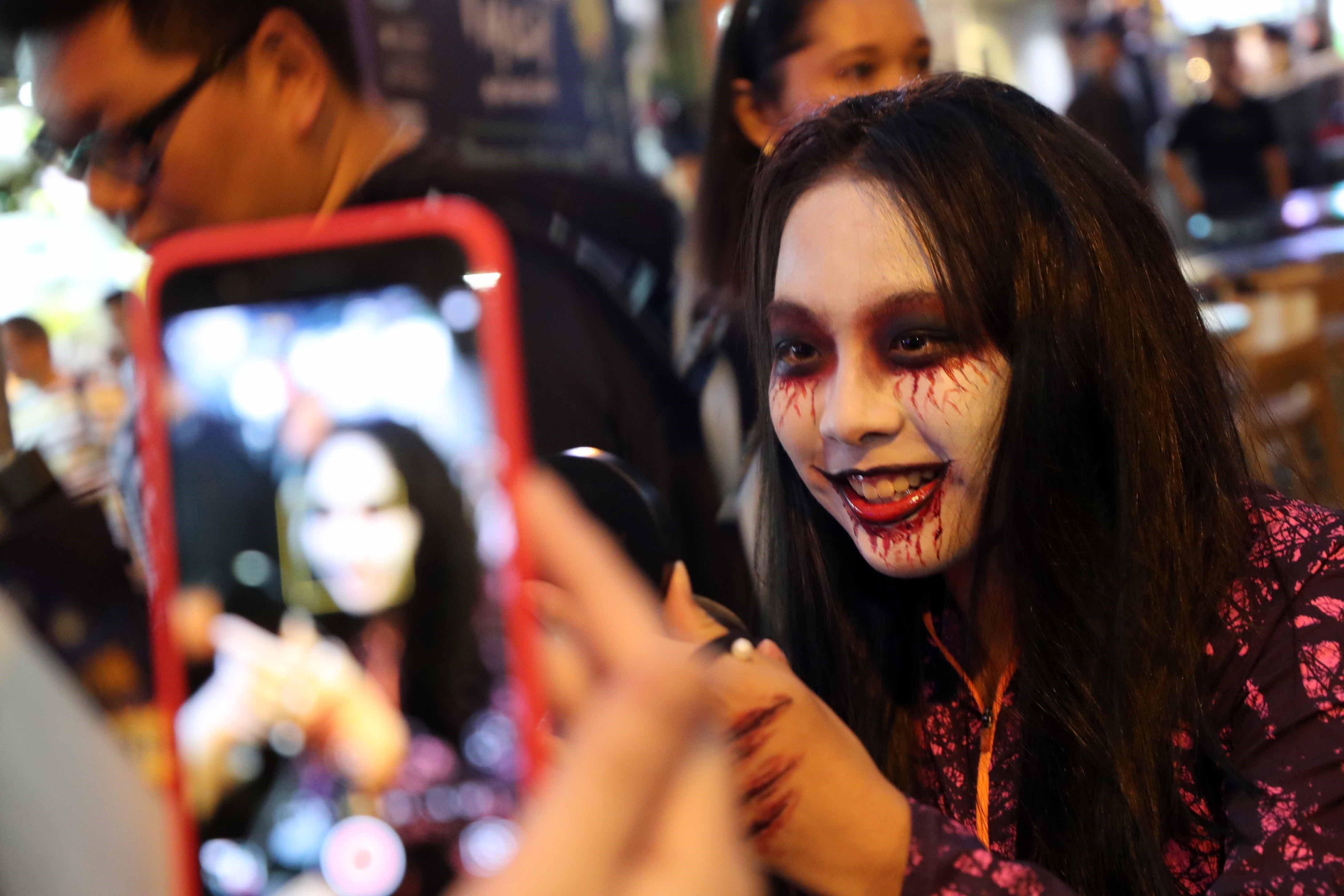 safety first at halloween parties | shanghai daily